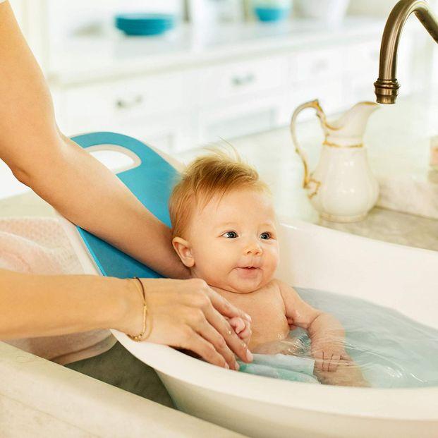 Position du bébé dans la baignoire